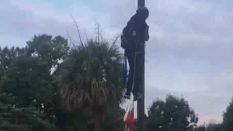 confederate flag comes down advocate_00011823