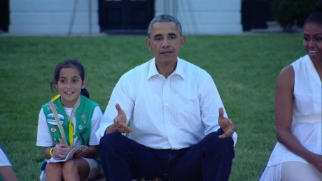 exp girl scout white house obama group hug_00001526