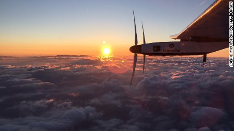 Solar-powered plane lands in Hawaii
