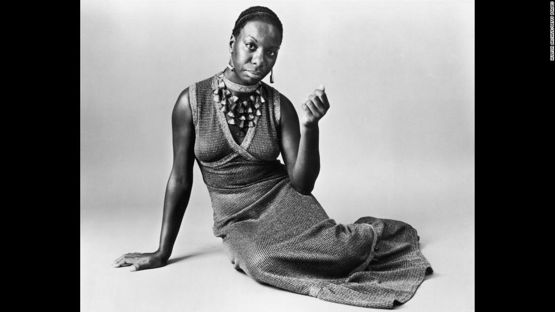 Simone poses for a studio portrait circa 1968.