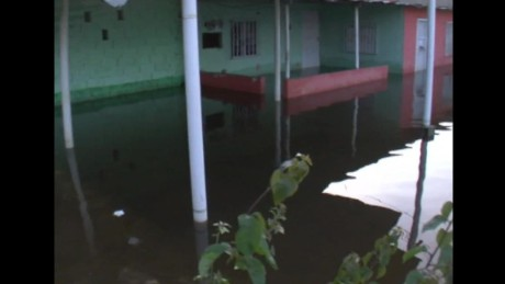 cnnee pkg hernandez venezuela emergency flood damages_00014623