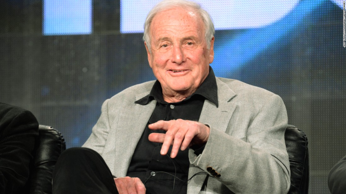 "<a href=""http://www.cnn.com/2015/07/06/entertainment/feat-obit-jerry-weintraub-dies/"" target=""_blank"">Jerry Weintraub</a>, the high-powered Hollywood mogul whose career included promoting Elvis Presley concerts, producing the ""Ocean's Eleven"" movies and spinning golden tales, died July 6 of cardiac arrest, his publicist said. He was 77."