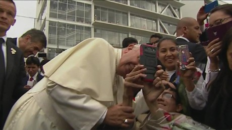 cnnee pkg roa pope francis ecuadorian faith_00010430