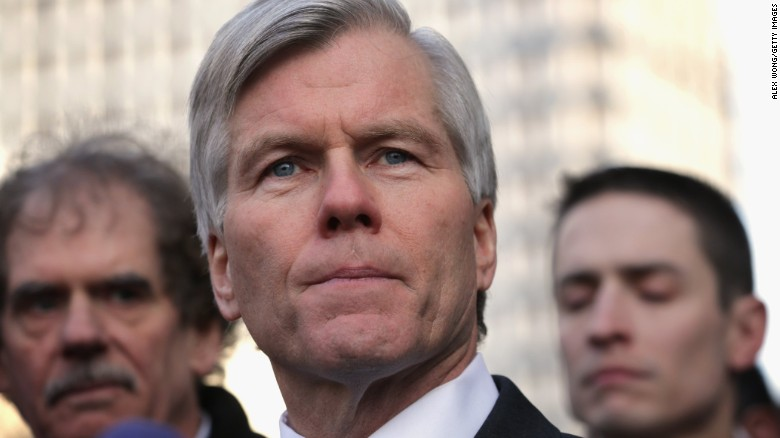 Supreme Court throws out ex-Governor's conviction