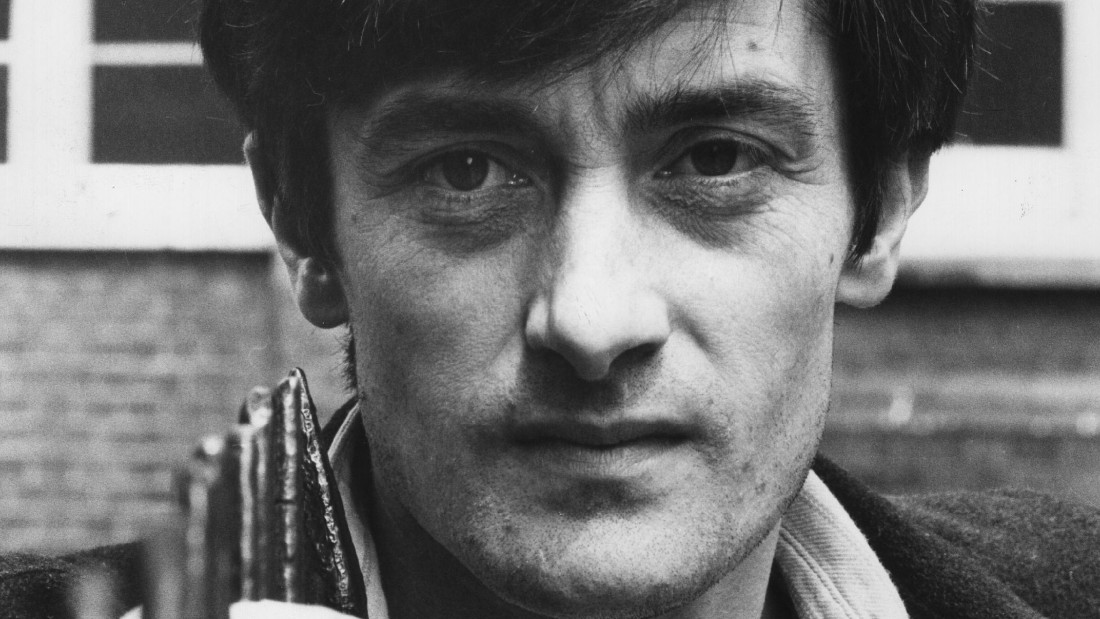 """Tony Award-winning actor Roger Rees, seen in a 1980 photo, was known to TV viewers for his roles in """"Cheers"""" and """"The West Wing."""""""