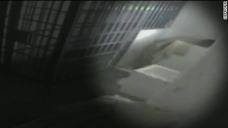 joaquin el chapo guzman escape surveillance video ctn_00001429.jpg