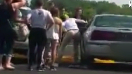 merriam kansas woman rescues baby from hot car in parking lot dnt_00003929