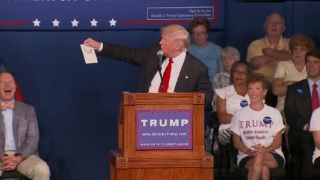 donald trump gives out lindsey graham's phone number_00004501