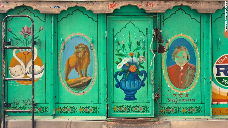 The painted paneling of a truck in Jodhpur.