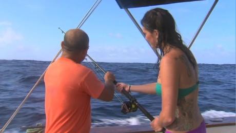 cnnee pkg lopez galapagos fishing_00011821