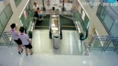 escalator death china cctv_00002208
