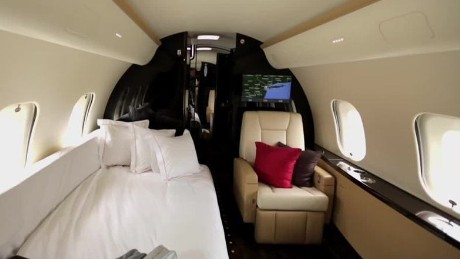 cnnee pkg yurkevich vistajet money   _00003602.jpg