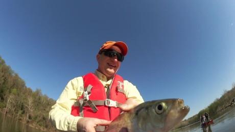 outside insiders paul begala shad fishing origwx JM_00024717.jpg