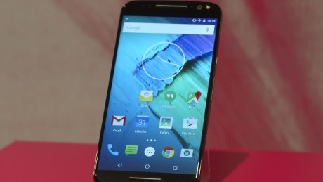 cnnee pkg motorola new phones _00001101