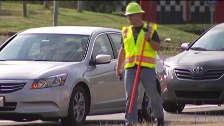 cops disguise construction workers distracted driver text georgia_00000320