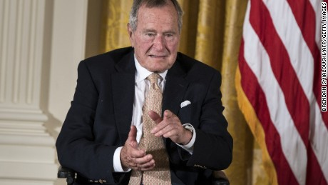 Sources: Bush 41 says he will vote for Clinton