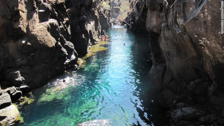 ecuador swimming spot