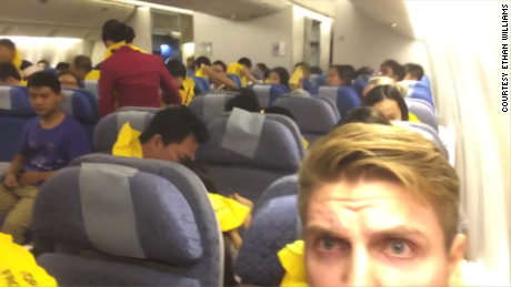Man Films Inside Cabin During Emergency Landing Cnn Video