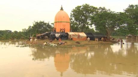 india flood wedding udas pkg_00005617