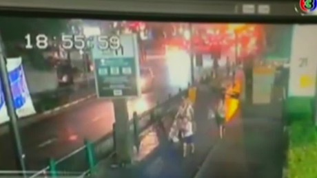 cnnee vo bangkok explosion on camera _00003206