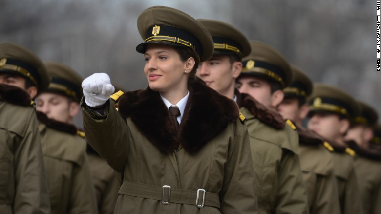 woman doing combat roles Women in combat roles would strengthen the military by william denn april 3, 2014 william denn, an army captain and intelligence officer, led soldiers in iraq and afghanistan he is a graduate .