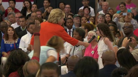 hillary speaks to little girl about equal wages_00000502