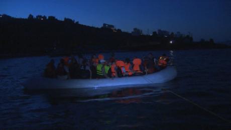 syrian migrants at sea damon pkg_00010625