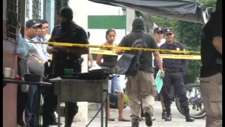 cnnee pkg delcid worry for violence salvador _00001418