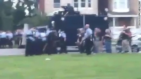 raw video of st louis police firing gas on protesters_00001626