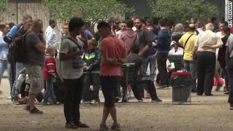 germany refugees final destination walker pkg_00021917