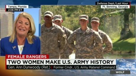 Two Women Make U.S. Army History_00014107