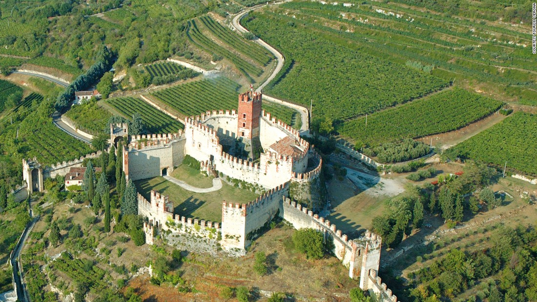 The Pieropan winery offers awesome views over Soave Castle, as well as a medium-bodied, crisp Soave Classico.