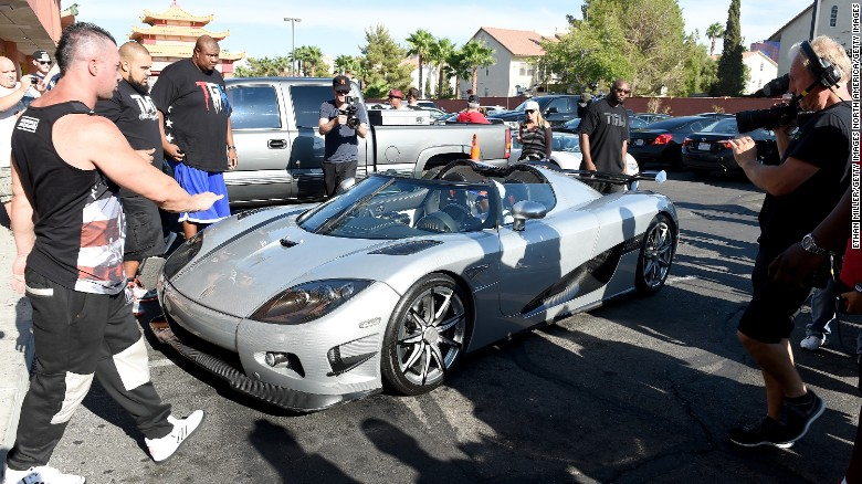 Floyd Mayweather pulls up to work in $4.8 million hypercar