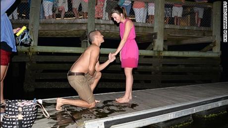 Groom drops ring in ocean during proposal