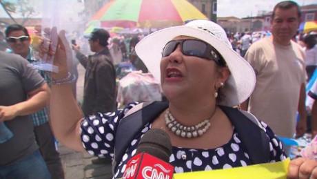 cnnee lkl romo the big protests in guatemala _00015022