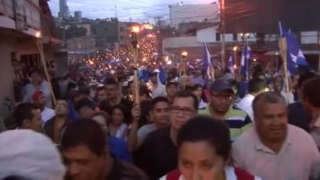 cnnee pkg sandoval honduras protests outraged_00000000