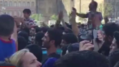 budapest train station closed migrants chant damon bpr_00001520