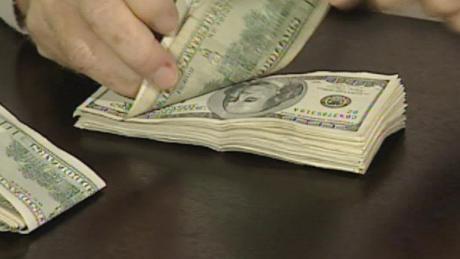 cnnee pkg sarmenti dolar in argentina _00001301