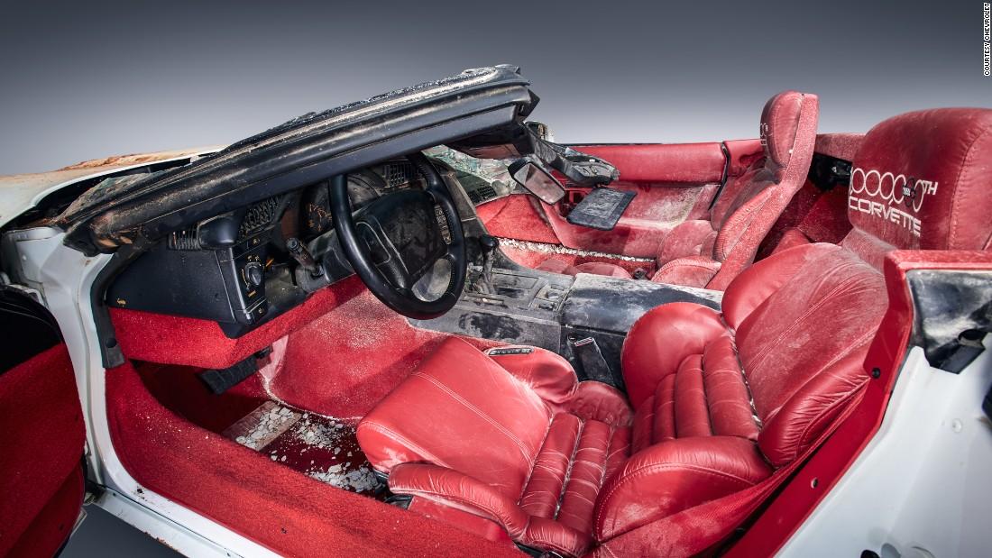 valuable 39 1 millionth corvette 39 restored after sinkhole. Black Bedroom Furniture Sets. Home Design Ideas