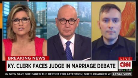Kentucky clerk faces judge in marriage debate_00000314