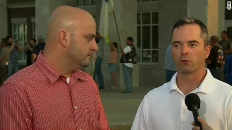 Same-sex couple gets marriage license from Kim Davis' office