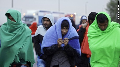 Migrants arrive in Austria