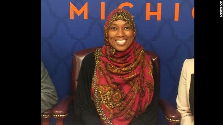 Muslim flight attendant says she was suspended for refusing to serve alcohol