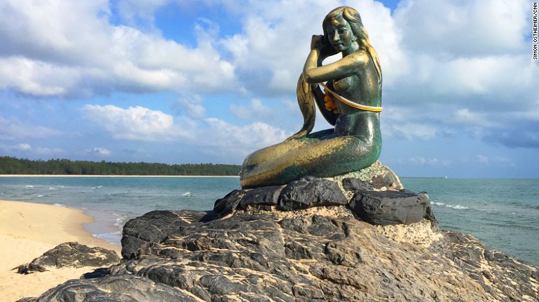 Unlike the Little Mermaid in Copenhagen, Songkhla's mermaid statue has a scenic backdrop.