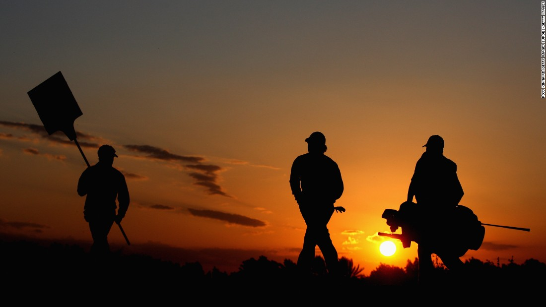 Another Middle Eastern destination -- Doha does decent sunsets too. You might recognize the profile of the chap in the middle of the shot -- four-time major champion Rory McIlroy.