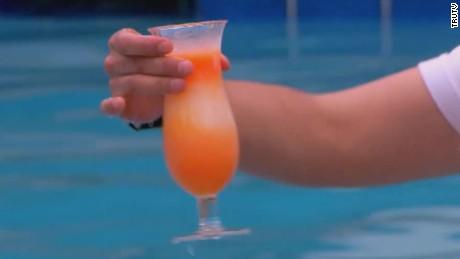 poolside cocktail tablets carbonaro effect_00011608