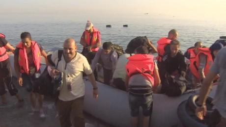 greece refugees arrival watson lklv _00000000