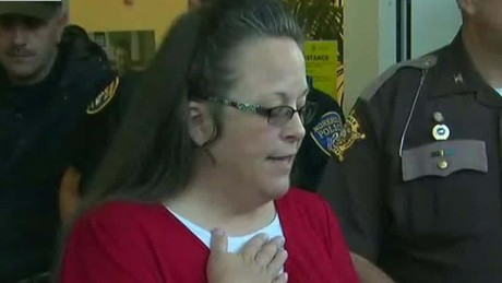 kim davis returns to work sot newday_00003407