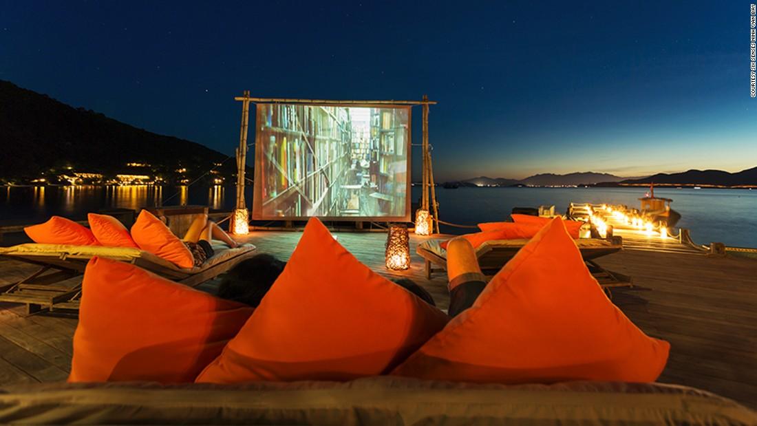 21 of the world's coolest outdoor cinemas...