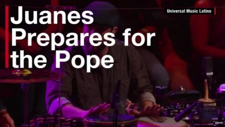 Juanes sings Pope Franics orig_00001530